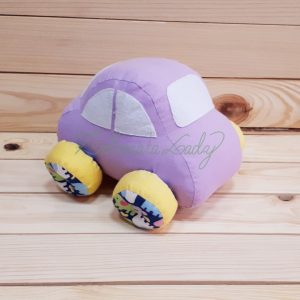 Текстилна играчка кола