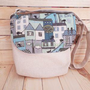 Чанта с капак и дълга презрамка